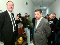 Advokát Peter Filip a Ladislav Bašternák na súde