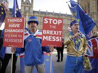 Niektorí občania s výsledkom referenda nie sú spokojní ani teraz.