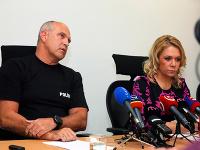 Zľava: Prezident PZ SR Milan Lučanský a ministerka vnútra SR Denisa Saková