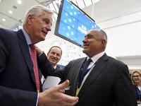 Vyjednávač Európskej únie pre brexit Michel Barnier a bulharský premiér Bojko Borisov.