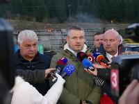Premiér sa bol dnes pozrieť na stavbe tunela Višňové.