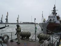 Ukrajinský vojak v prístave Mariupol