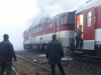 V piatok opäť horel železničný rušeň