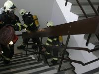 Požiar vypukol na druhom poschodí.