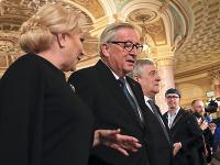 Jean-Claude Juncker s rumunskou premiérkou Vioricou Dancilaovou