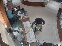Z bratislavského klenotníctva ukradli hodinky. Vyšetrovanie ukončili