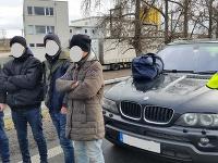Vo vozidle zastavenom na území ČR viezol nelegálnych migrantov.