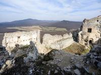 Zrúcanina hradu Gýmeš v oblasti Tribeč