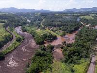 Pohľad na zaplavenú oblasť po pretrhnutí priehrady pri brazílskom meste Brumadinho