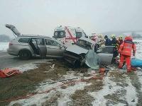 Vážnu dopravnú nehodu neprežili 2 osoby.