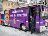 Autobus, s ktorým vedie predvolebnú kampaň Štefan Harabin