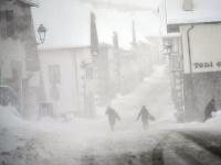 Silné sneženie a vietor zasiahli aj španielske Pyreneje.