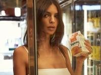 Emily Ratajkowski a vydarená reklama na spodnú bielizeň.