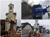 Kamión narazil v Sobíne do kaplnky so zvonicou, radnica chce novú.