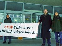 Sprava: Ochranár z Lesoochranárskeho zoskupenia Vlk Marek Poláček a predseda petičného výboru Ján Žatko