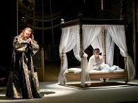 Titusz Tóbisz ako Otello a Lucie Kašpárková ako Desdemona v novom naštudovaní opery Giuseppe Verdiho v Štátnom divadle Košice