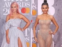 Grace Chatto a Madison Beer.