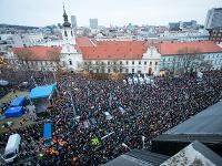 Od smrti Martiny Kušnírovej a Jána Kuciaka ubehol už rok. Pohľad na Námestie SNP v Bratislave.