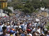 Stúpenci Nicolasa Madura na proteste