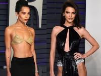 Zoë Kravitz a Kendall Jenner sa predviedli v odvážnych outfitoch.