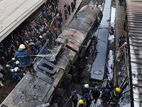 Vlak narazil do stanice pre potyčku dvoch rušňovodičov.