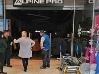 V Alpine Pro v Eurovea prasklo potrubie.