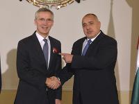 Generálny tajomník NATO Jens Stoltenberg a bulharský premiér Bojko Borisov