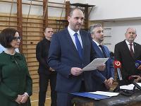 Na snímke zľava námestníčka primátora Košíc Lucia Gurbáľová, primátor Košíc Jaroslav Polaček, predseda KSK Rastislav Trnka a podpredseda KSK Daniel Rusnák