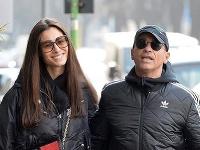 Eros Ramazzotti s manželkou.