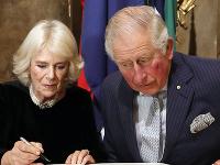 Princ Charles mal vraj okrem Camilly ešte jednu milenku.