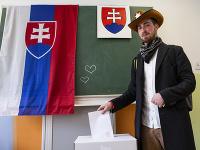 Volič na Nevädzovej v Bratislave