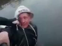 Mladíci sotili muža do rieky, neprežil.