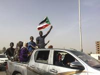 Demonštranti v Chartúme