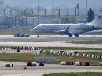 Nemecký vládny špeciál sa musel na letisko po štarte vrátiť.