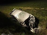 Vodič skončil s autom mimo vozovky.