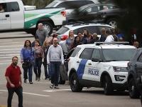 Dvaja študenti v škole spustili surovú streľbu