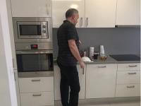 Prezident Andrej Kiska býva v byte v paneláku, ktorý patrí ministerstvu zahraničných vecí na Čmelovci.