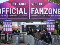 Pri vstupe do fanzóny sa podrobíte prehliadke ako na letisku.