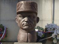 Busta Milana Rastislava Štefánika
