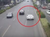 Silné autá niektorým šoférom do rúk nepatria.