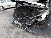 Požiar spôsobil obrovské škody na oboch autách