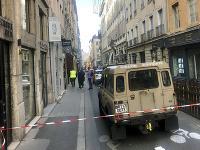 Najmenej sedem ľudí utrpelo zranenia pri výbuchu podozrivého balíka, ku ktorému došlo v centre mesta Lyon.