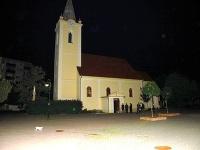 Zlodeji sa vlámali do kostola. Ukradnúť z neho však nič nestihli.
