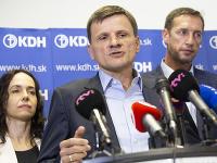 Miriam Lexmann (vľavo), predseda KDH Alojz Hlina a Milan Majerský