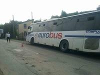 Jedna osoba utrpela zranenia pri nehode autobusu za obcou Zdoba