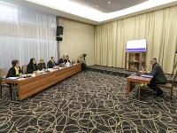 Na snímke vpravo kandidát na predsedu Úradu na ochranu oznamovateľov protispoločenskej činnosti Viktor Pokojný
