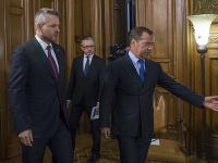 Premiér Peter Pellegrini sa stretol s ruským partnerom Dmitrijom Medvedevom
