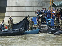 Zábery z miesta nehody nasledujúci deň po potopení