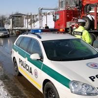 Kamionisti postupne rozpúšťajú blokádu ciest