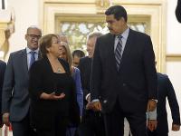 Michelle Bacheletová a Nicolás Maduro